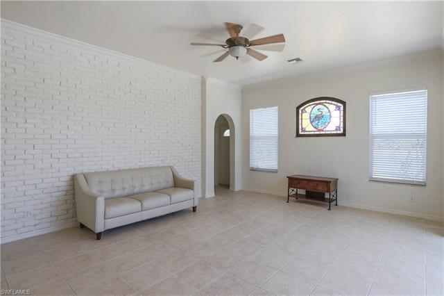 23356 Olde Meadowbrook Cir, Estero, FL 34134