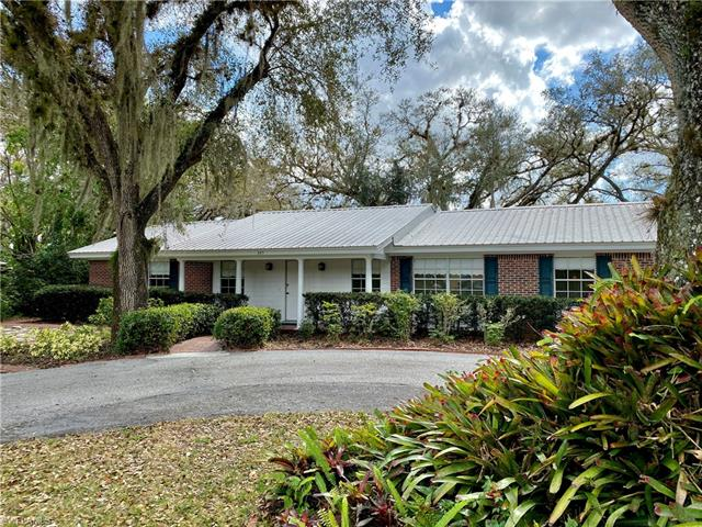 365 8th Ave, Labelle, FL 33935