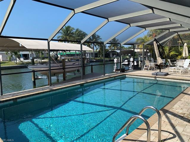 12 Sunview Blvd, Fort Myers Beach, FL 33931
