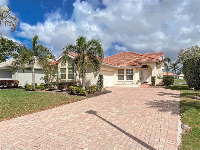 9954 Las Casas Dr, Fort Myers, FL 33919
