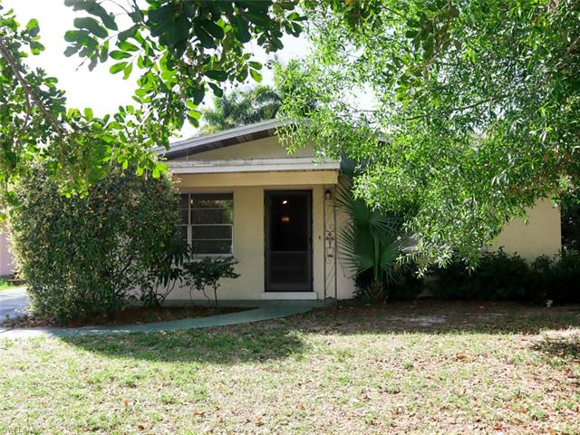 4020 Edgewood Ave, Fort Myers, FL 33916