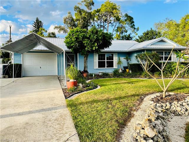 9049 Shaddock Rd W, Fort Myers, FL 33967