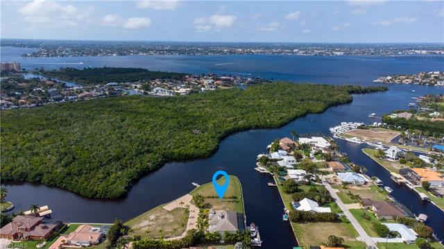 14211 Bay Dr, Fort Myers, FL 33919