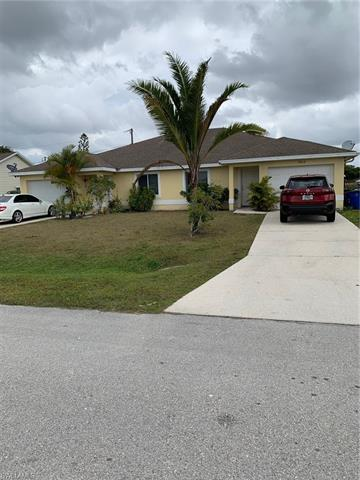 17411/17413 Dowling Dr, Fort Myers, FL 33967