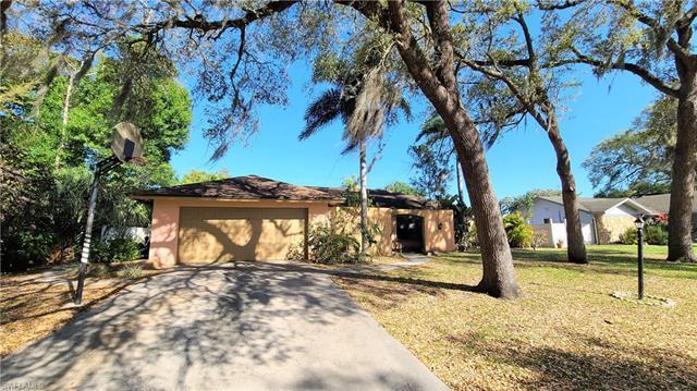 5805 Beechwood Trl, Fort Myers, FL 33919