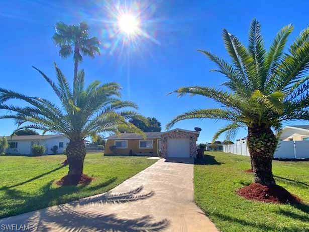 1708 Ridgecrest St, Lehigh Acres, FL 33936