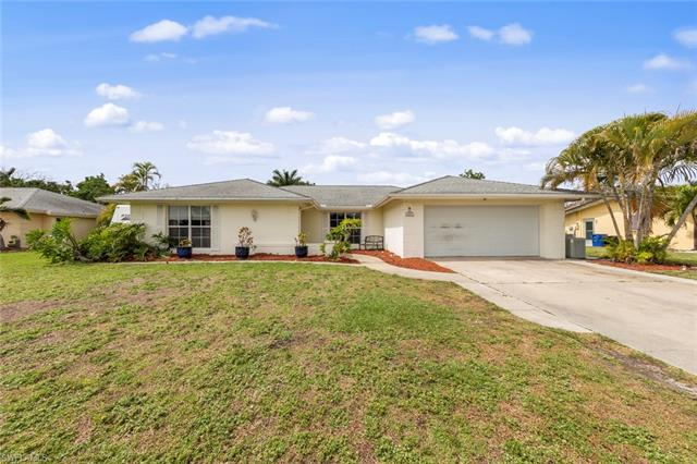4547 Vinsetta Ave, North Fort Myers, FL 33903