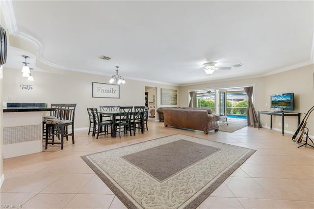 1532 Braeburn Rd, Fort Myers, FL 33919