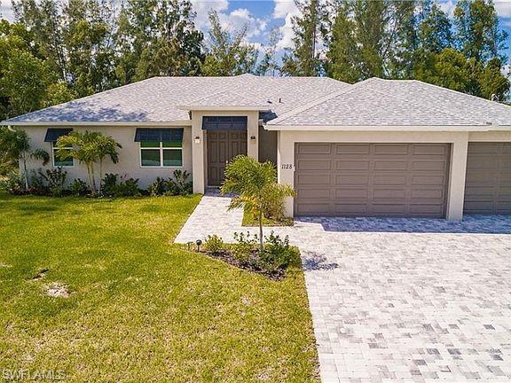 902 Sw 15th Ave, Cape Coral, FL 33991