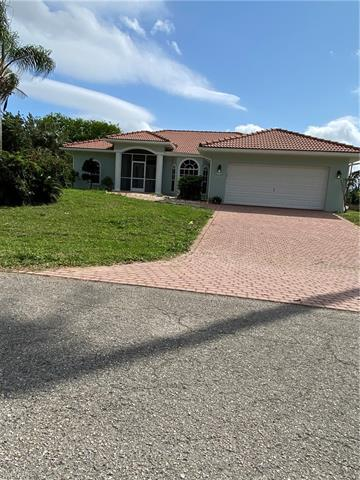 1438 Scenic St, Lehigh Acres, FL 33936