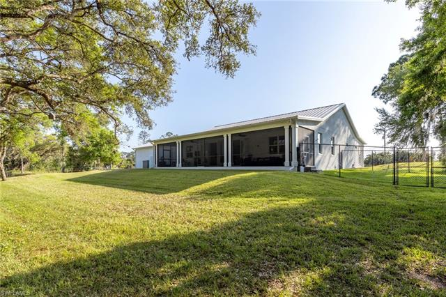 10761 Bayshore Rd, North Fort Myers, FL 33917