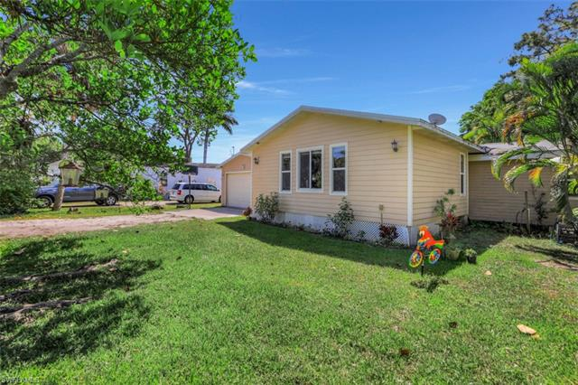 12721 Water Ln, Fort Myers, FL 33908