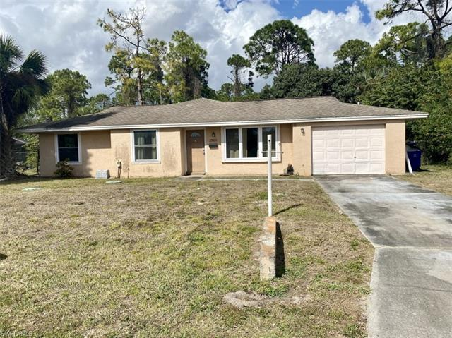 2903 E 8th St, Lehigh Acres, FL 33972