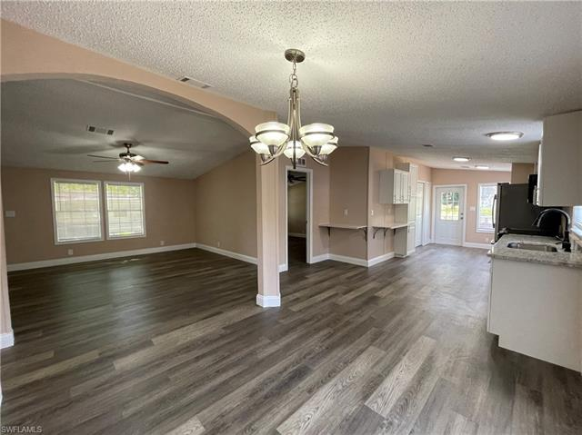 7901 Marx Dr, North Fort Myers, FL 33917