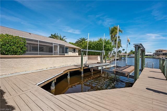 1810 Se 44th St, Cape Coral, FL 33904