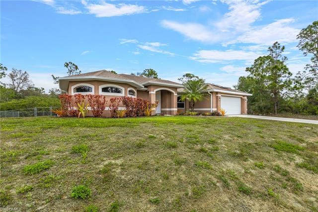 704 W 14th St, Lehigh Acres, FL 33972