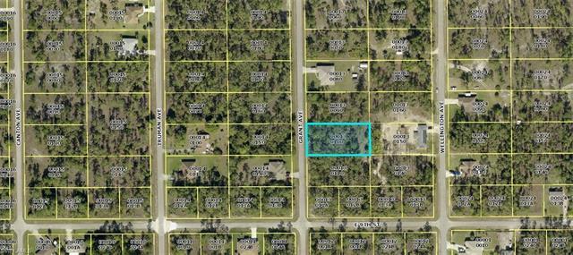 904 Grant Ave, Lehigh Acres, FL 33972