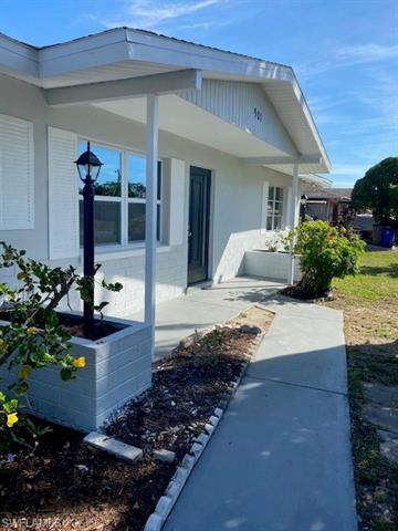 901 E Penn Rd, Lehigh Acres, FL 33936