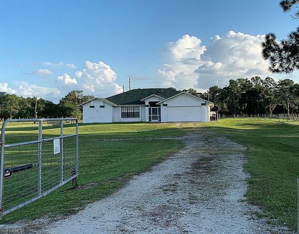 17950 Oak Creek Rd, Alva, FL 33920