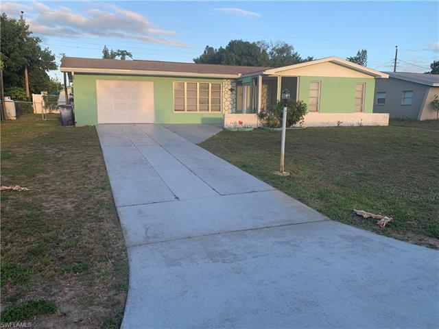 312 Morgan Cir N, Lehigh Acres, FL 33936