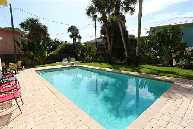 130 Eucalyptus Ct, Fort Myers Beach, FL 33931
