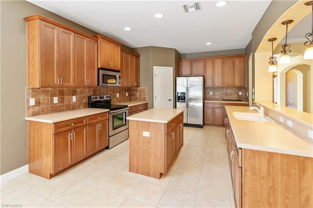 12869 Pastures Way, Fort Myers, FL 33913