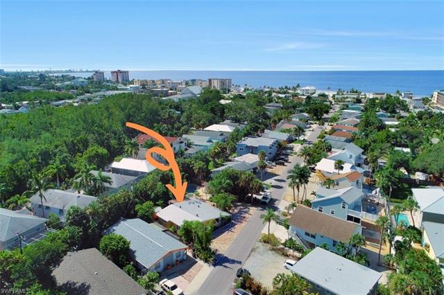 228 Fairweather Ln, Fort Myers Beach, FL 33931