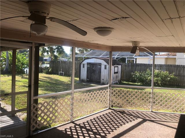 15853 Candle Dr, Fort Myers, FL 33908