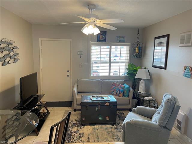 2590 1st St 114, Fort Myers, FL 33901