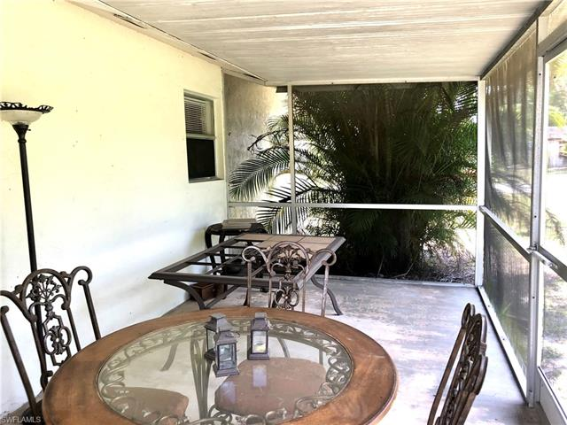 2515 Davis Blvd, Fort Myers, FL 33905