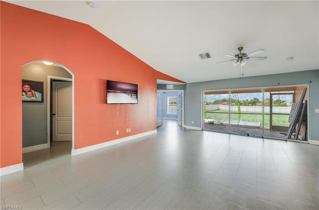 1326 Ne 2nd Ave, Cape Coral, FL 33909