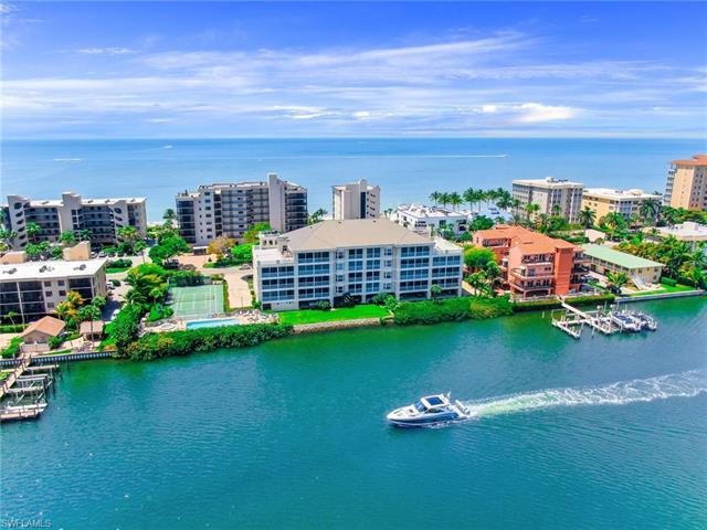 9380 Gulf Shore Dr 104, Naples, FL 34108