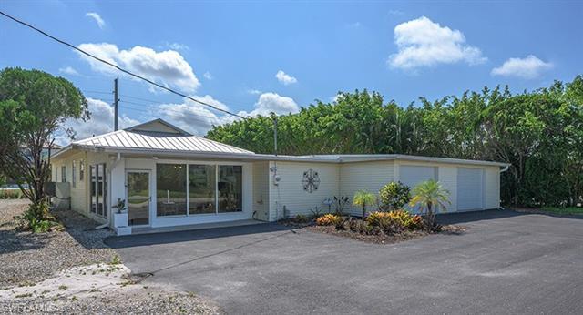 27031 Flossmoor Dr, Bonita Springs, FL 34135