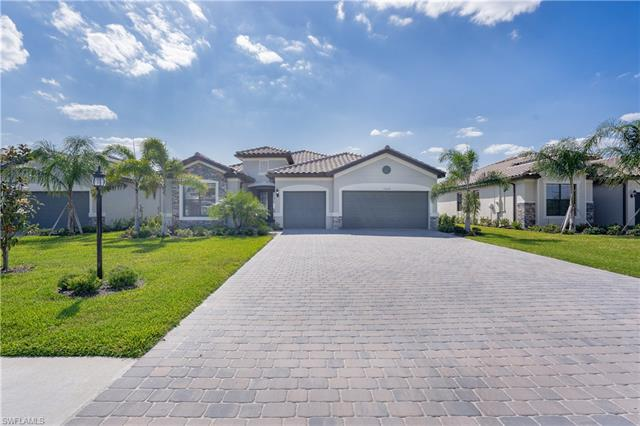 19644 The Place Blvd, Estero, FL 33928