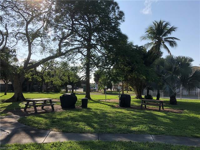 2100 Barkeley Ln 7, Fort Myers, FL 33907