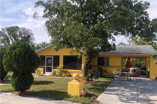 2745 Dr Ella Piper Way, Fort Myers, FL 33916
