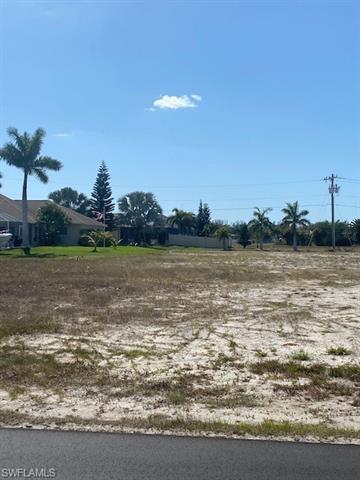 6 Sw 37th Ave, Cape Coral, FL 33991