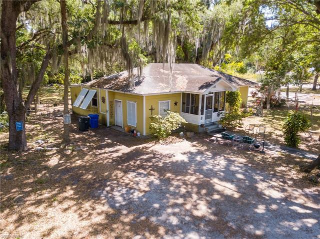 2534 2nd St, Fort Myers, FL 33901
