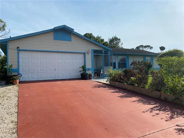 5207 5th St W, Lehigh Acres, FL 33971