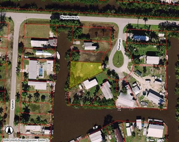9 Pelican Dr, Everglades City, FL 34139