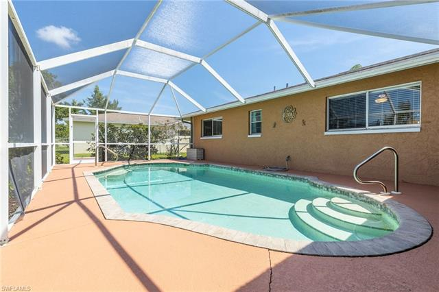 1036 Se 18th Pl, Cape Coral, FL 33990