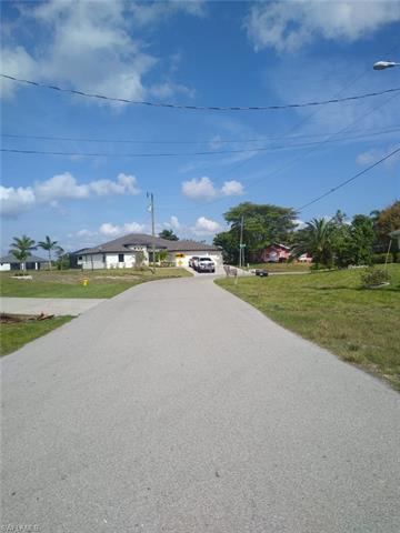 845 Sw 18th Ter, Cape Coral, FL 33991