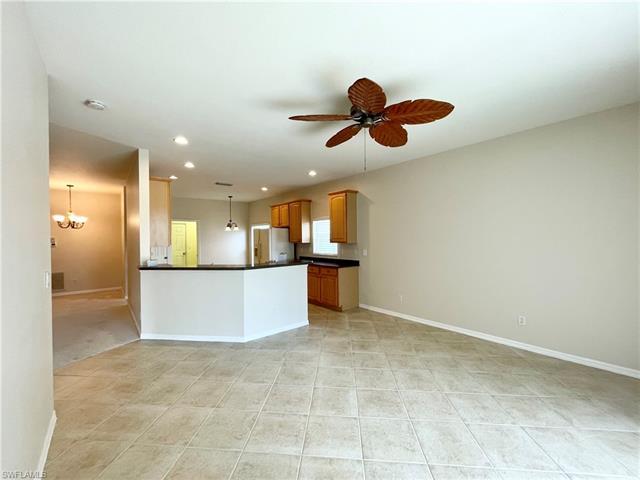 9832 Gladiolus Bulb Loop, Fort Myers, FL 33908
