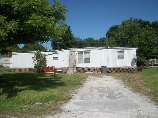 309 Pinecrest Ave Nw, Moore Haven, FL 33471