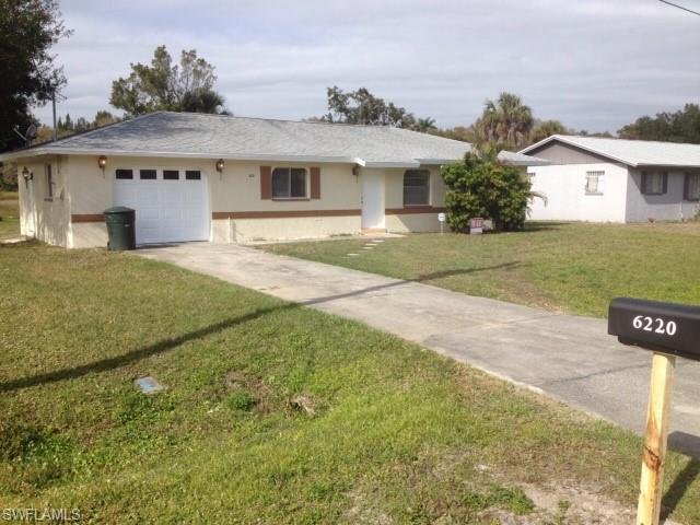 6220 Meadowview Cir, Fort Myers, FL 33916