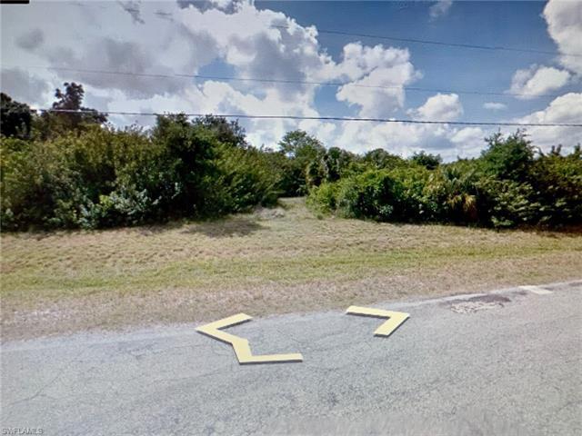 322 Ne 4th St, Cape Coral, FL 33909