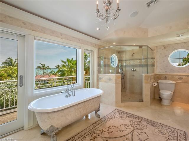 1237 Isabel Dr, Sanibel, FL 33957