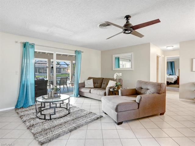 1822 Sw 40th Ter, Cape Coral, FL 33914