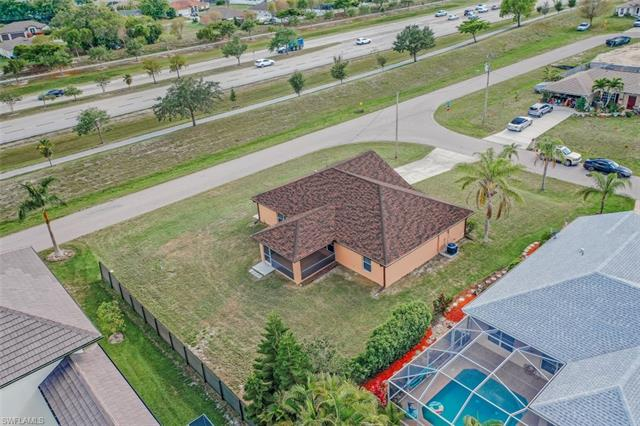 2327 Sw 19th Ave, Cape Coral, FL 33991