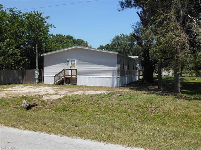 240 Marion Ave, Labelle, FL 33935